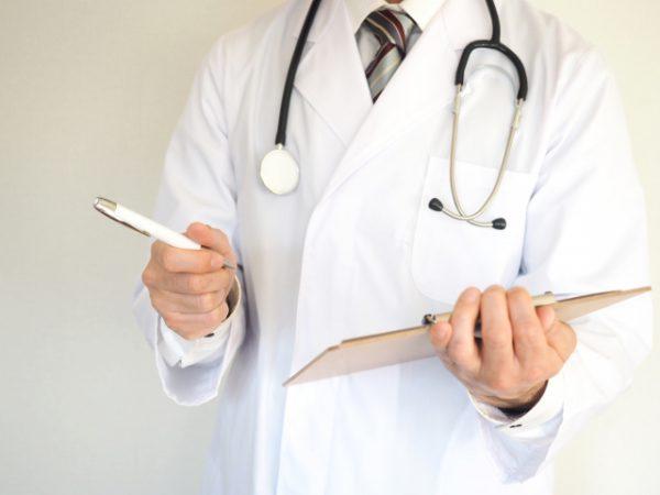 医師の診察風景