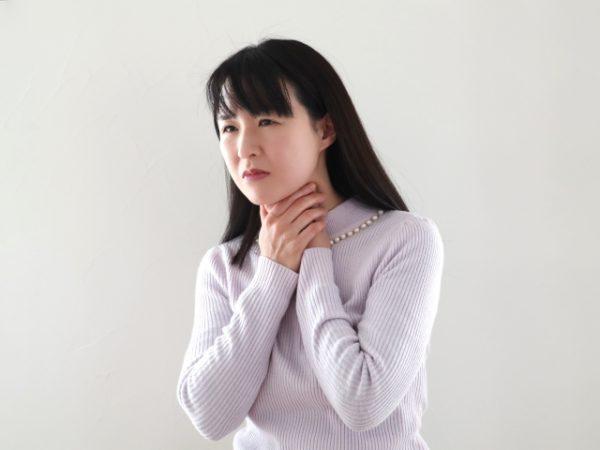 甲状腺の機能亢進からくる喉の痛み